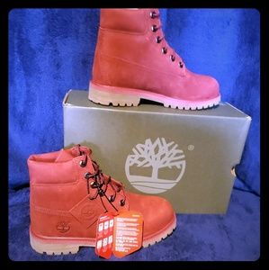 Brand new in Box Red Timberlands SIZE 6.5 JUNIORS